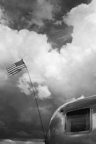 airstream 2 usa flag bw